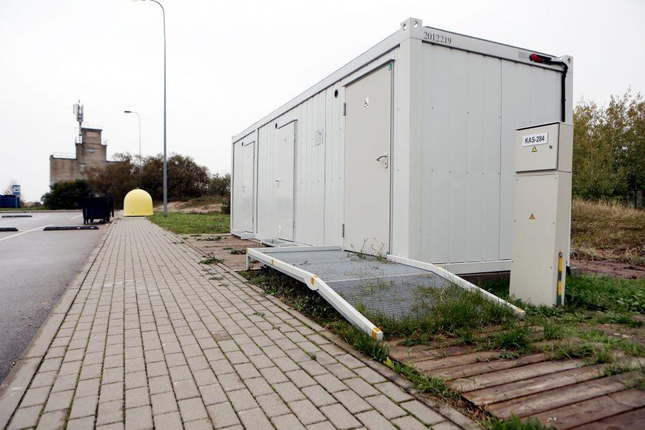 Prie jūros pasigedo tualetų