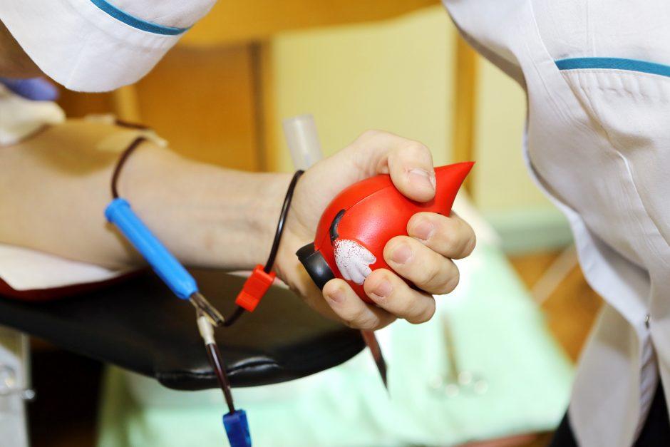 Daugelis donorų už kraują piniginio atlygio neprašo