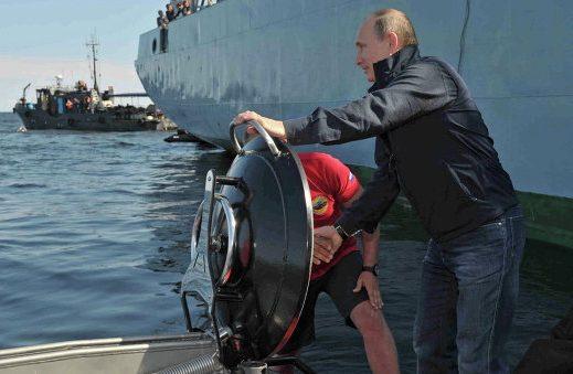 V. Putinas tyrinėjo Baltijos jūroje nuskendusį laivą