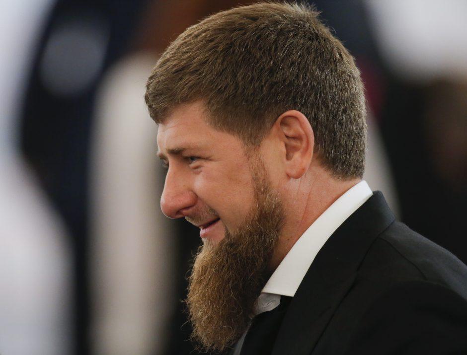 Čečėnų lyderis R. Kadyrovas: gėjus pasiimkite kuo toliau