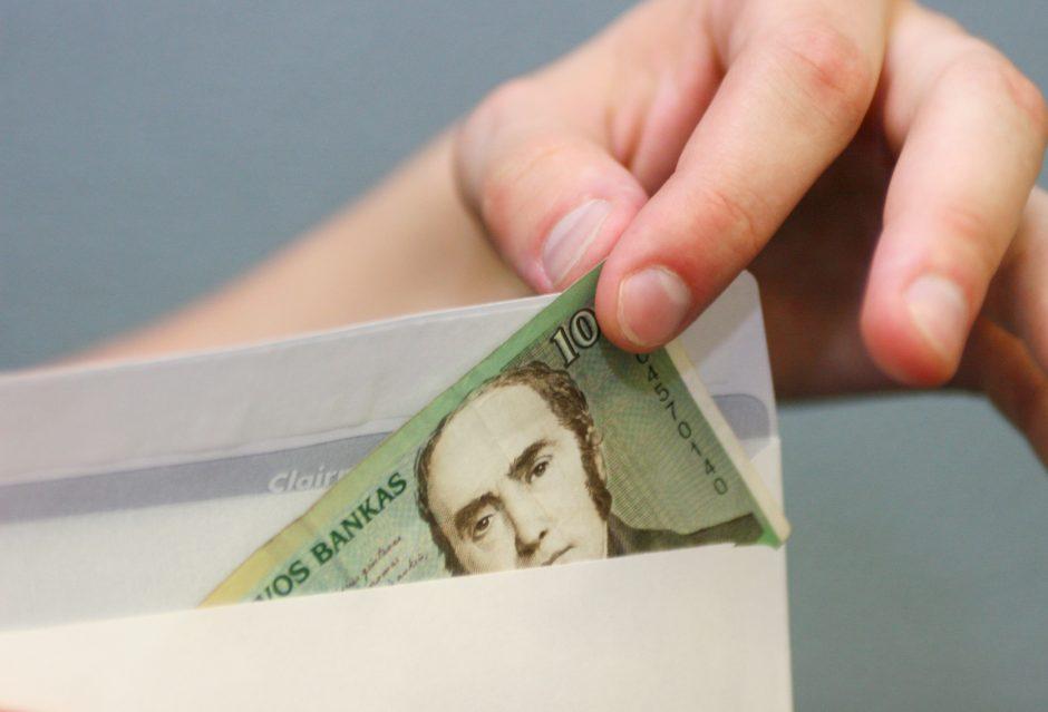 Šiaulių įmonėje vokeliuose galėjo būti išmokėta 240 tūkst. litų