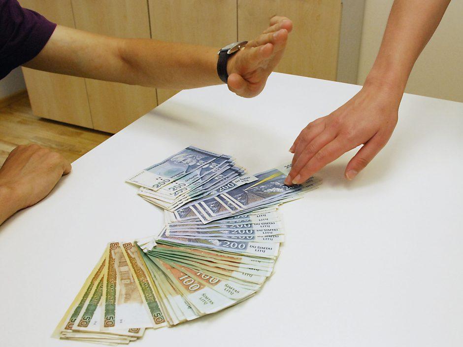 Vaistinės darbuotojai įtariami pasisavinę 50 tūkst. litų