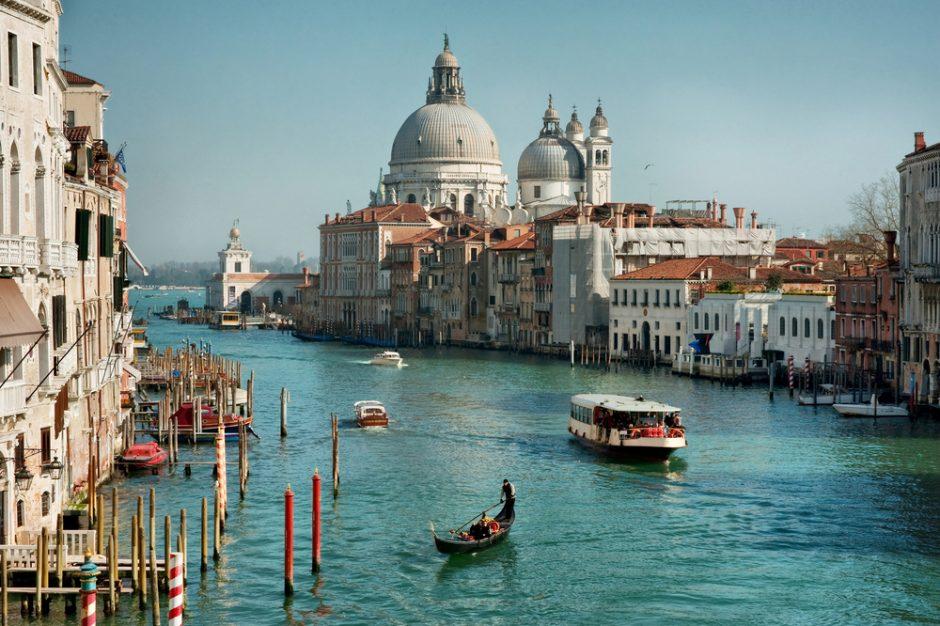 Venecijoje turistus pribloškė sąskaita už muziką