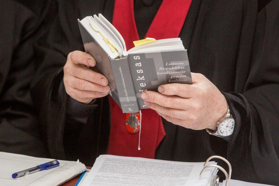 Daugiau nei 233 tūkst. eurų pasisavinimo byloje teismas nesulaukė prokuroro
