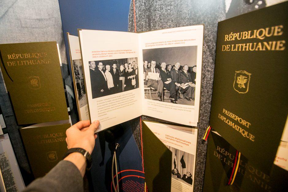 """Parodos """"Kuriančiajai Lietuvos diplomatijai – 100"""" atidarymas"""