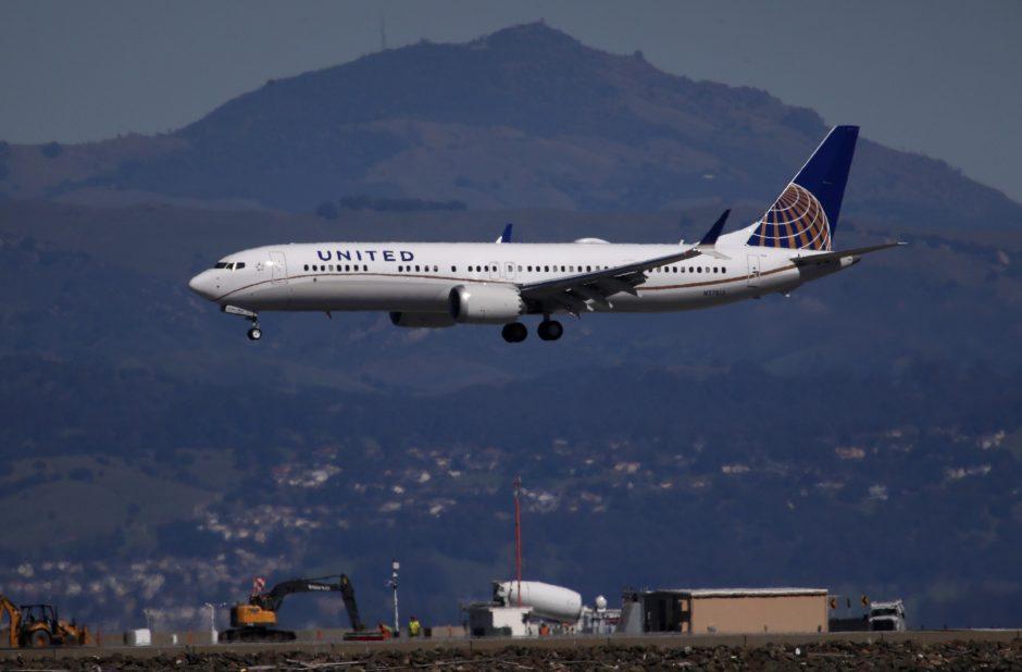 """""""Ryanair"""": """"Boeing"""" modelio draudimas nepaveiks skrydžių"""