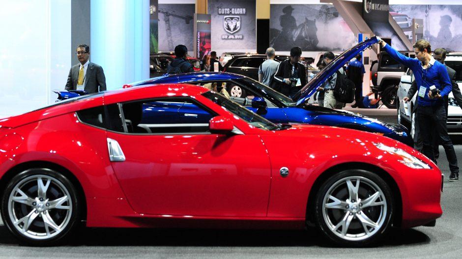 Kodėl automobilių padangos kartais pripučiamos azotu?