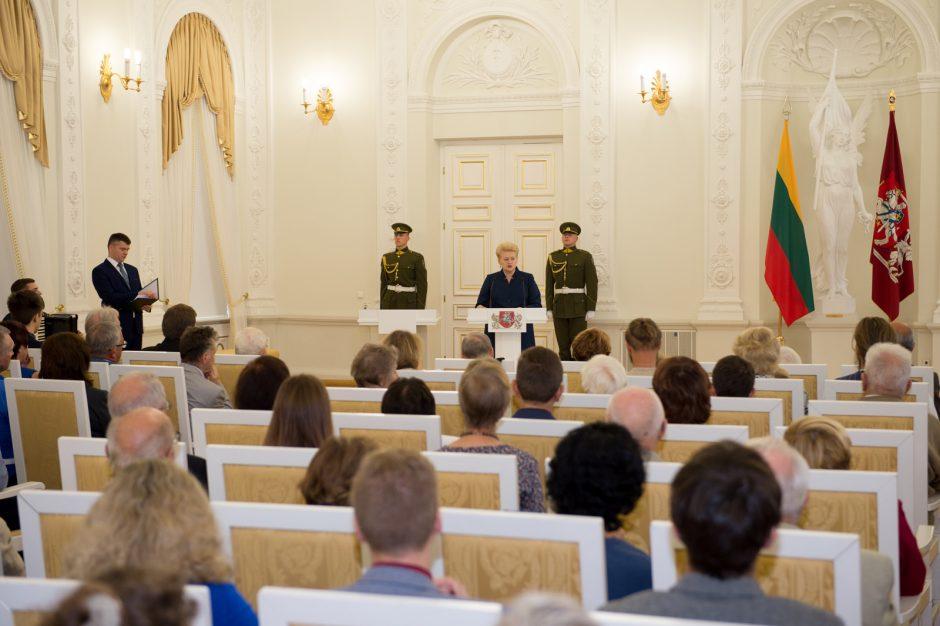 Prezidentė įteikė Žūvančiųjų gelbėjimo kryžius