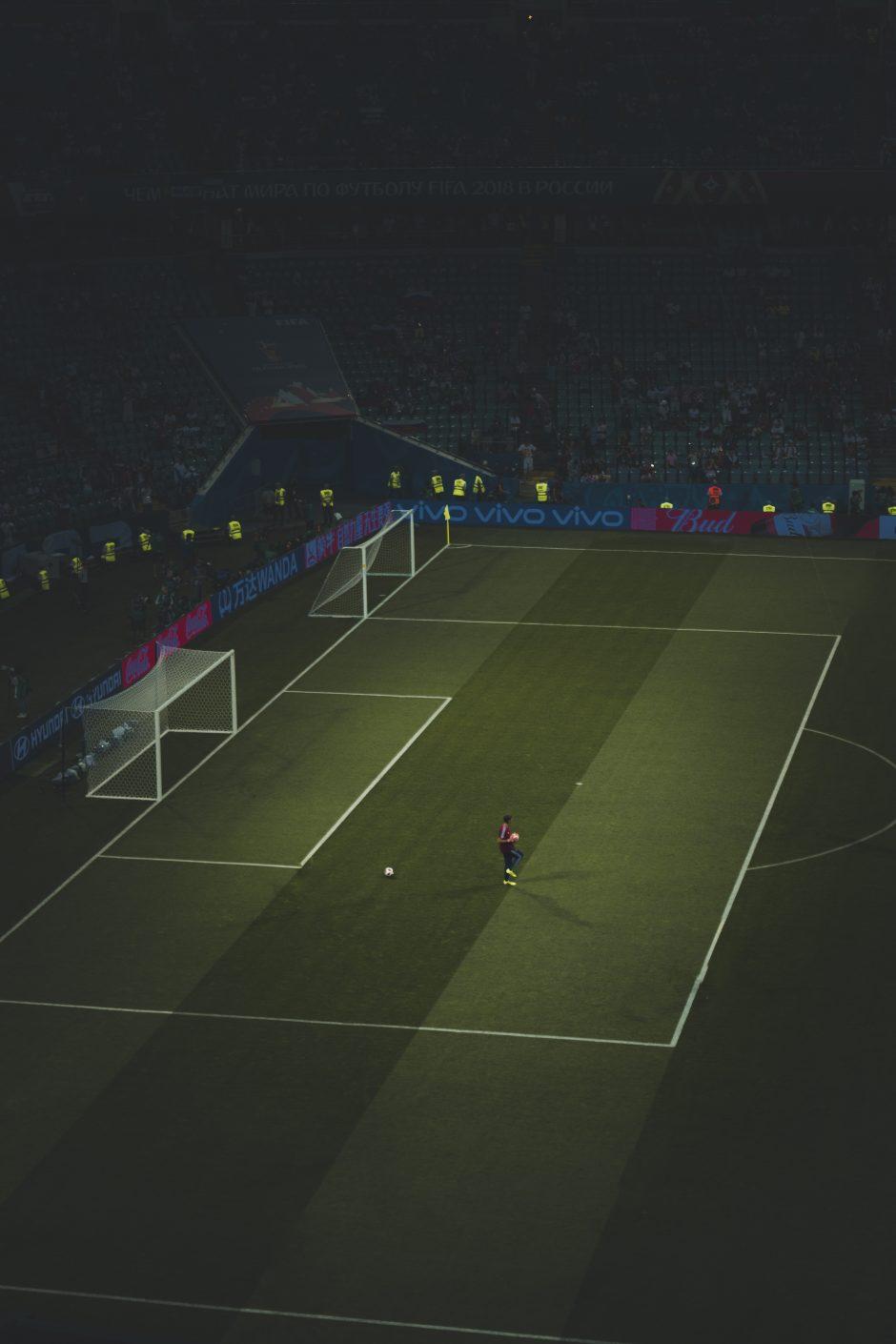 Legendinio futbolininko sūnus kamuolį iškeitė į fotoaparatą