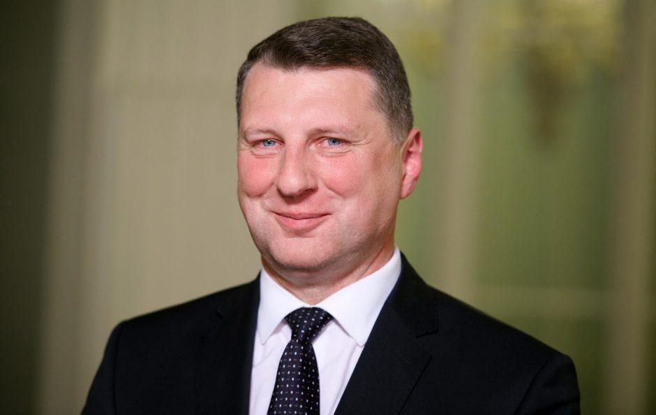 Prezidentas: perėjimas prie mokymo vien latvių kalba turi būti laipsniškas