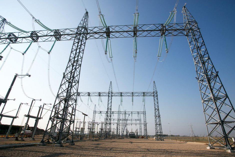 Lenkija neatmeta galimybės tartis su Baltarusija dėl elektros importo