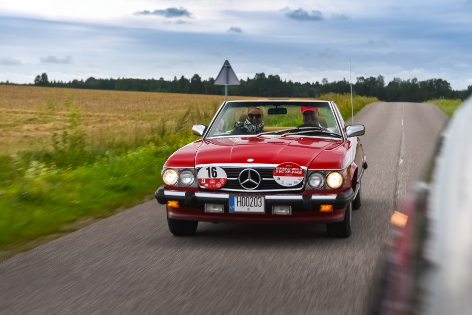 Istorinių automobilių ralyje – istorijos pamokos