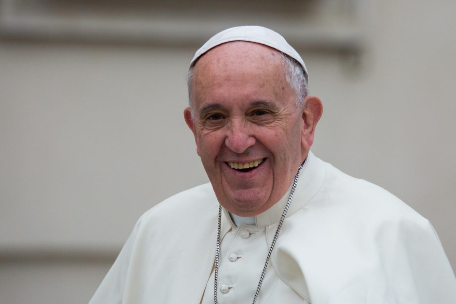 Susitikime su popiežiumi – paveikslas iš žmonių veidų