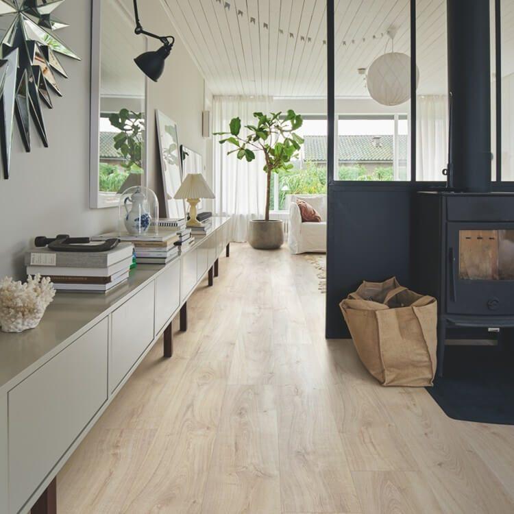 Kaip mažame bute sukurti didelės erdvės pojūtį?