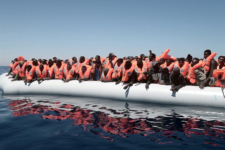 Pasieniečiai išgelbėjo 2,3 tūkst. iš Libijos į Italiją plaukusių migrantų