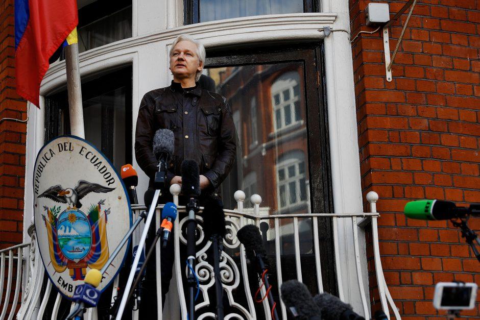 """J. Assange'as džiaugiasi """"svarbia pergale"""" švedams atsisakius tęsti jo bylą"""
