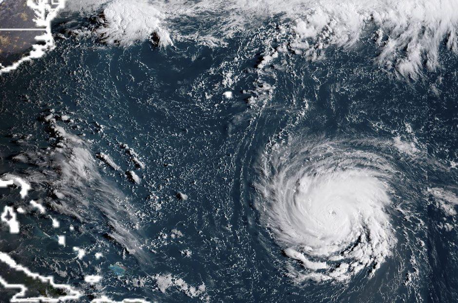 """Link rytinių JAV artėjanti audra """"Florence"""" virto dideliu uraganu"""