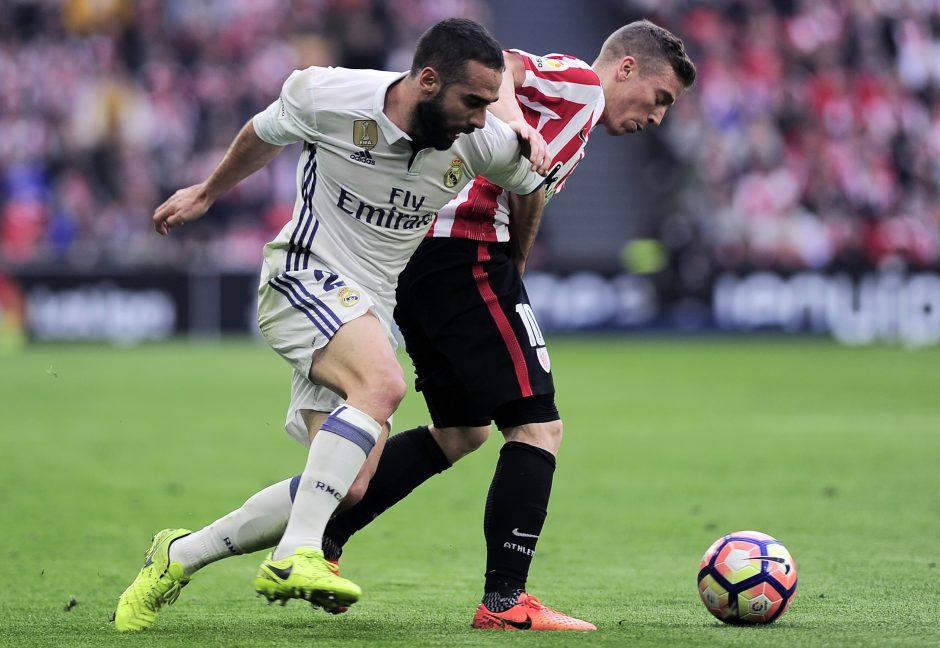 """Ispanijos futbolo lygoje pirmaujantis """"Real"""" didina atotrūkį nuo katalonų"""