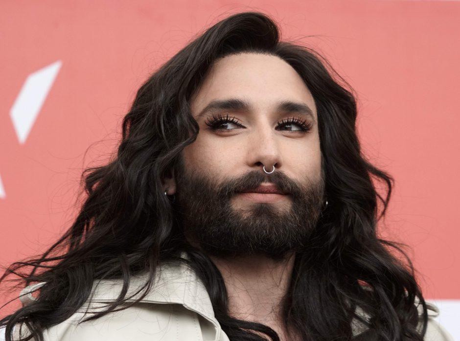 Austrijos žvaigždė Conchita atšaukė pasirodymą Edinburge dėl vizų ginčo