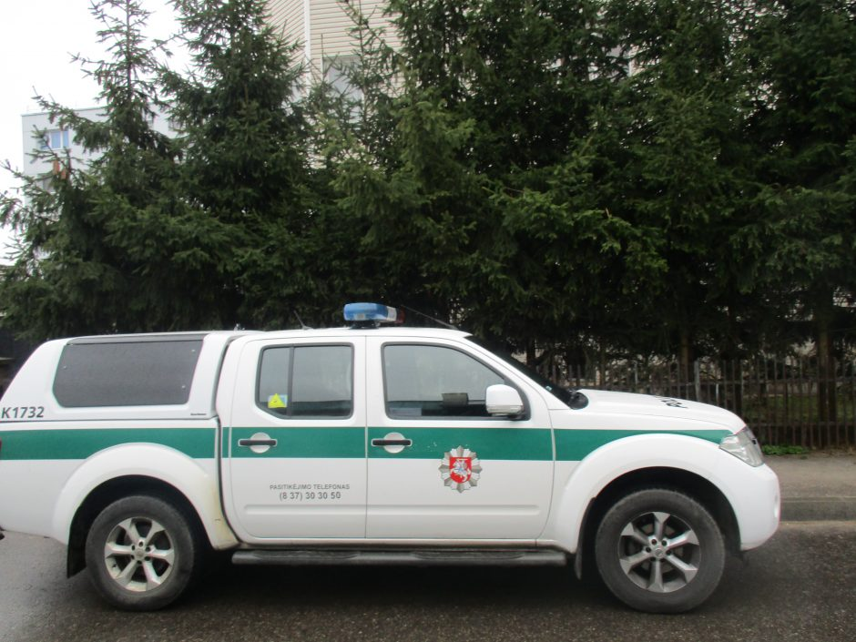 Greitosios medicinos pagalbos darbuotojas: žmonės gatvėje nesivolioja