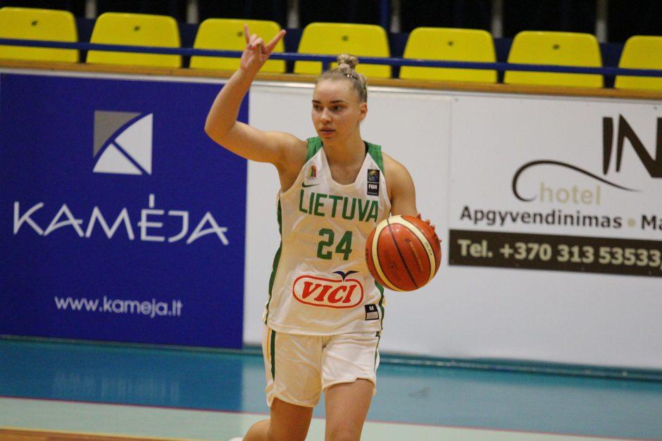 18-metės Lietuvos krepšininkės įveikė metais jaunesnes varžoves iš Baltarusijos
