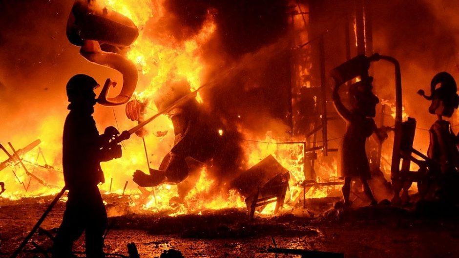 Nors gaisrų skaičius išaugo, bet žuvusiųjų mažiau