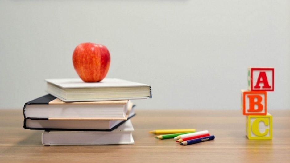 Kas svarbiau pirmokui – mokėti skaityti ar bendrauti?