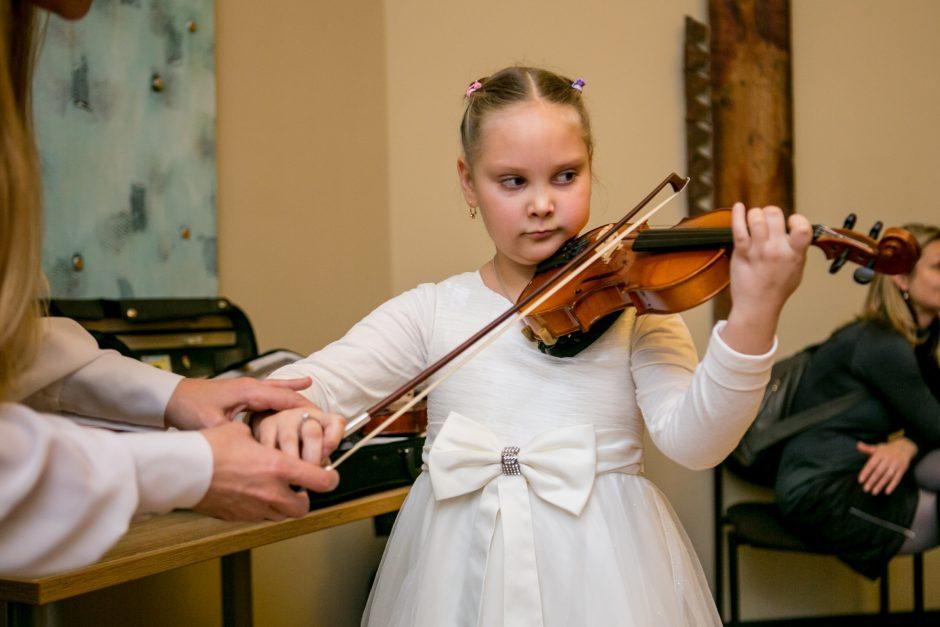 Vaikams filharmonijoje atsivėrė instrumentų pasaulis