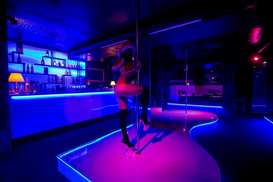 """Šventinis laikotarpis striptizo klube """"Playhouse"""""""