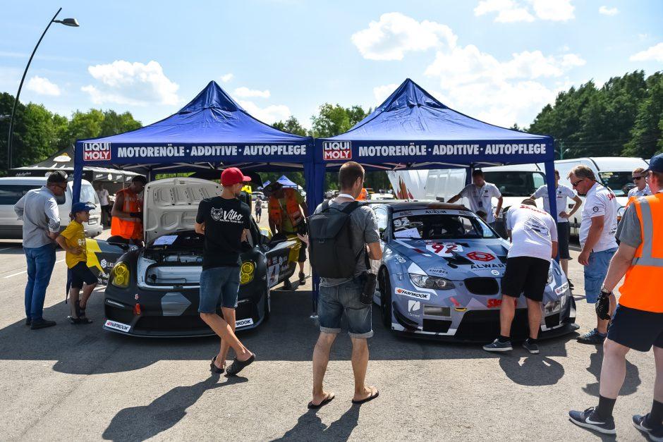"""""""Aurum 1006 km lenktynių"""" techninė komisija"""