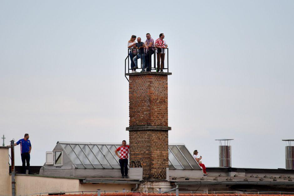Zagrebe žmonių minia sveikino Kroatijos futbolininkus