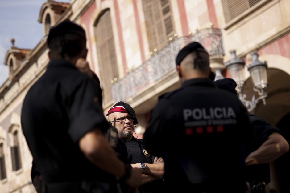 Katalonijos vadovas pasiūlė atidėti nepriklausomybės skelbimą