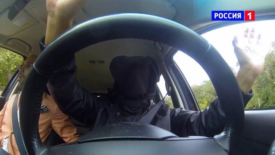 A. Gaičiūnas užrištomis akimis vairavo automobilį Maskvos gatvėmis