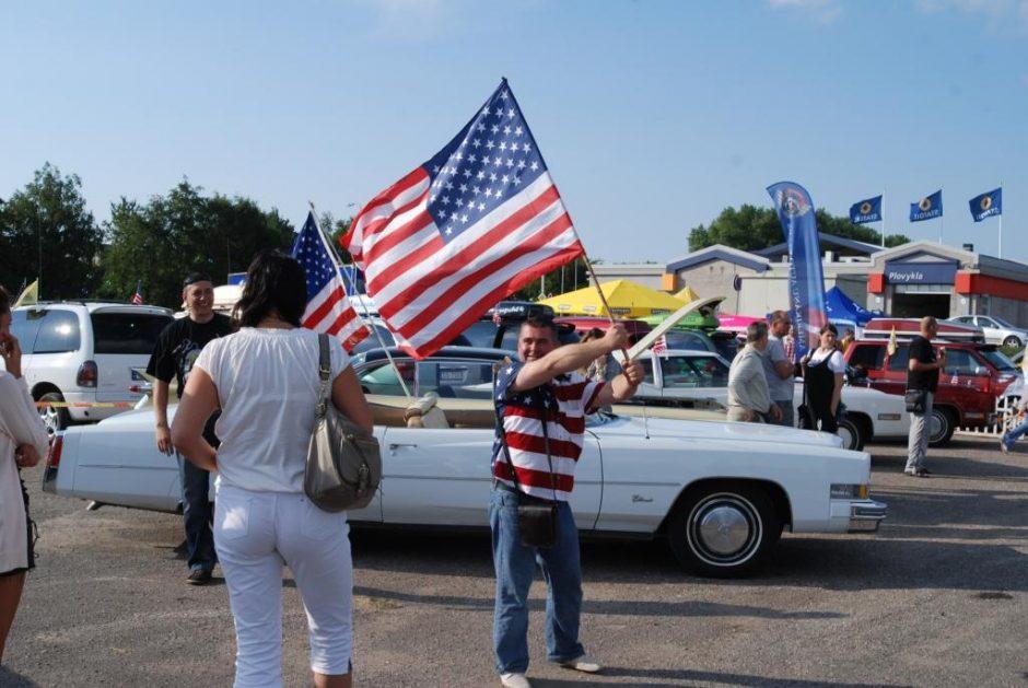 """Palangos gatves papuoš amerikietiška technika – kviečia sąskrydis """"American Spirit"""""""