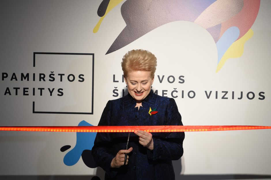Prezidentė Valstybės pažinimo centre atidarė parodą