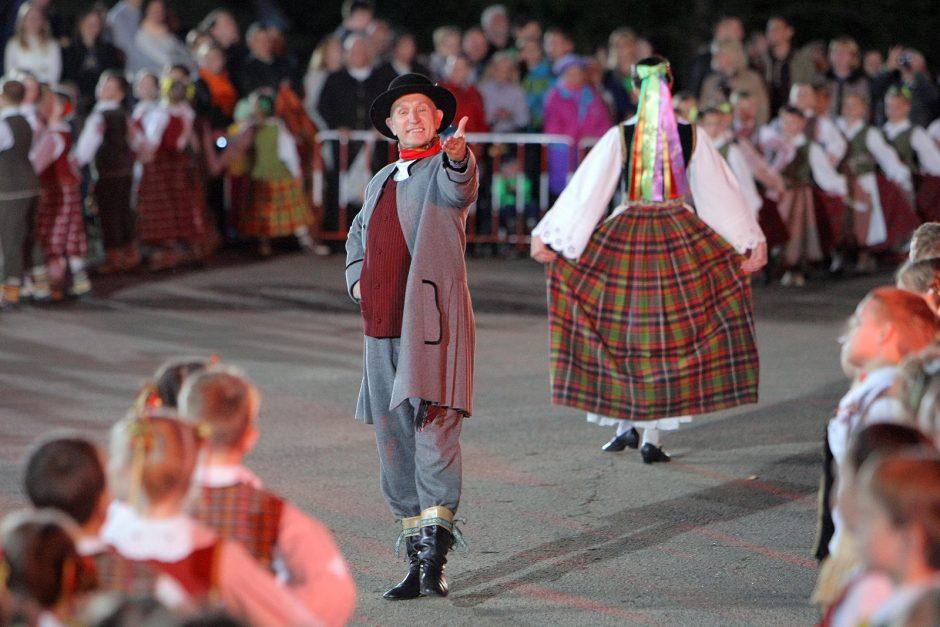 Griaudėjo moksleivių dainų ir šokių šventė