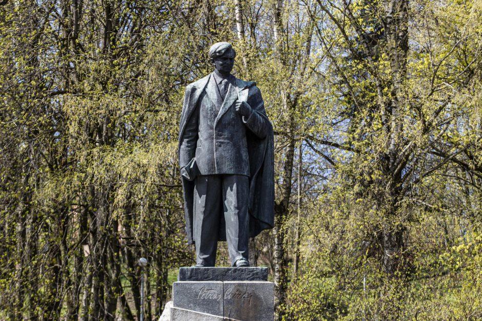 Komisija siūlo nukelti P. Cvirkos paminklą Vilniaus centre