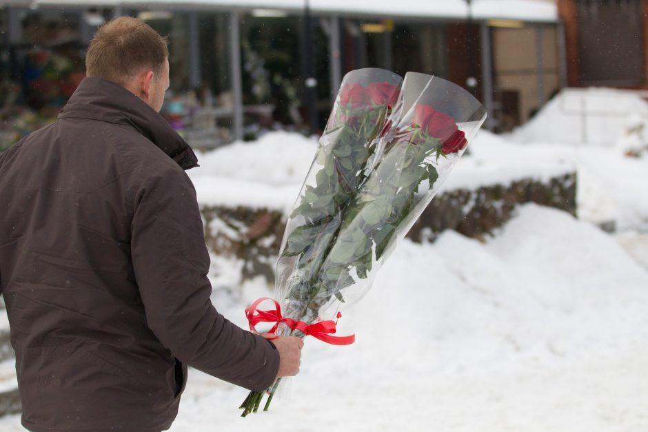 Glėbiai gėlių – vilnietėms