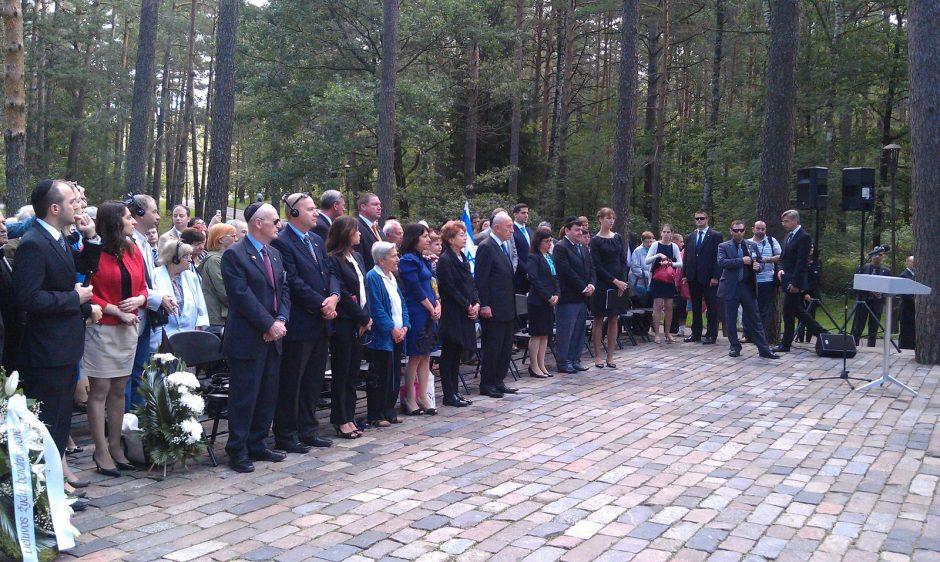 Izraelio prezidentas S. Peresas su Lietuvos žydais drauge pagerbė genocido aukas