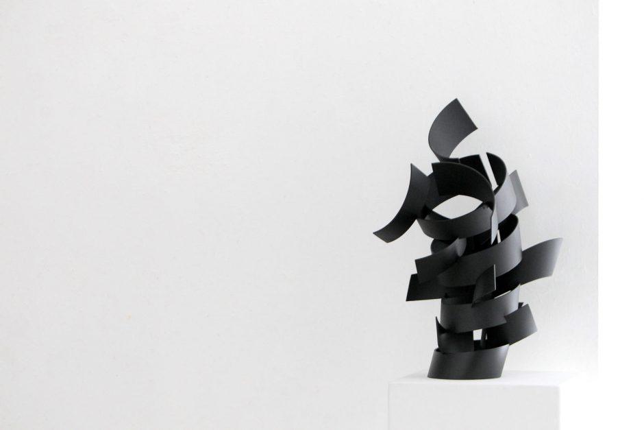 Menininkų darbuose – rezonuojančių garsų tyla