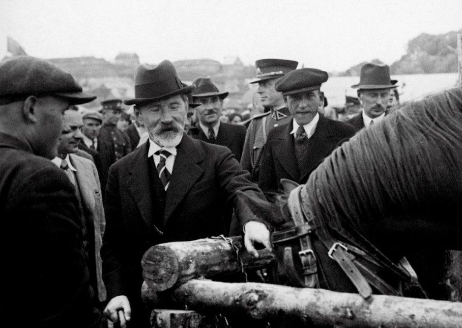 Šimtmečio mitai apie prezidentą A. Smetoną