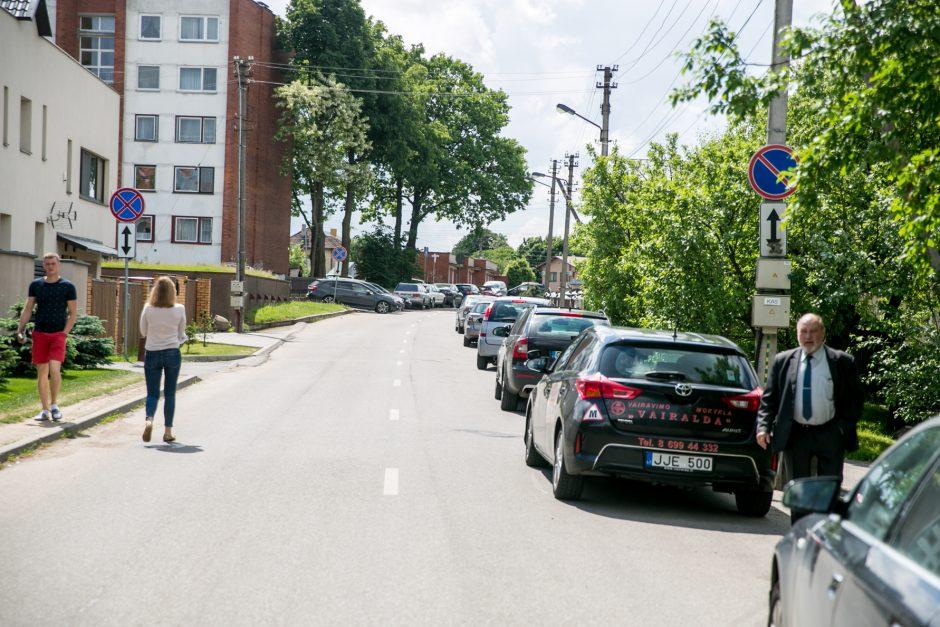 Dar vienas akibrokštas prie Kauno klinikų: ženklų nėra, o baudas rašo
