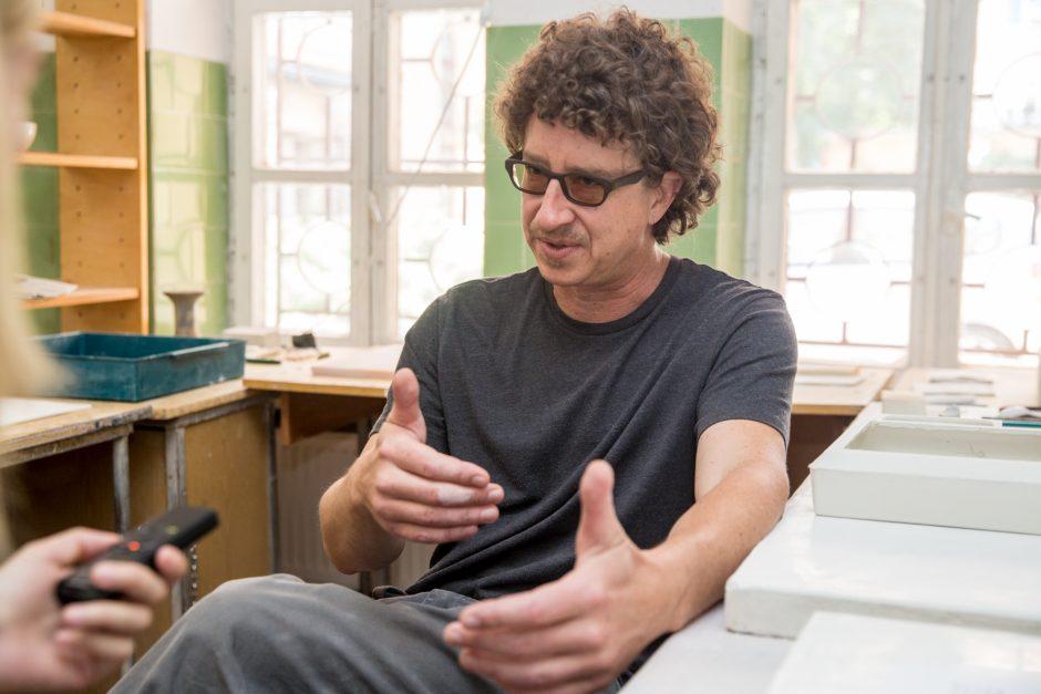 Eksperimentuoti kviečia kaulinis porcelianas, mikrobiologija ir 3D spausdintuvai