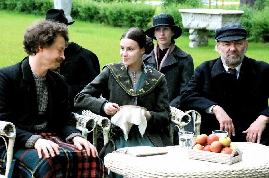 """Filmo """"Laiškai Sofijai"""" kostiumų dailininkė įkvėpimo sėmėsi ir iš britų serialo"""