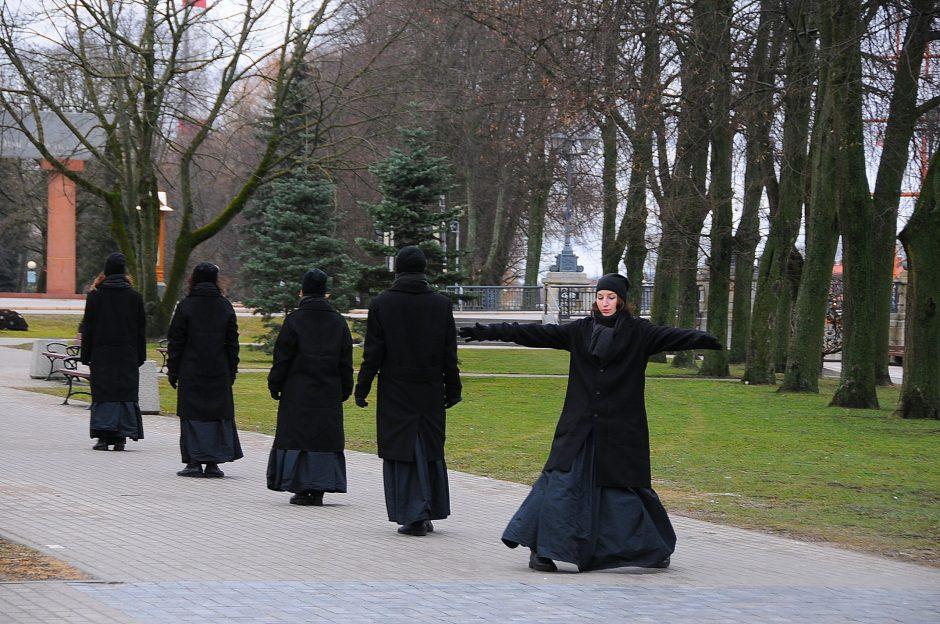 Istorinė ekskursija – šokio spektaklis