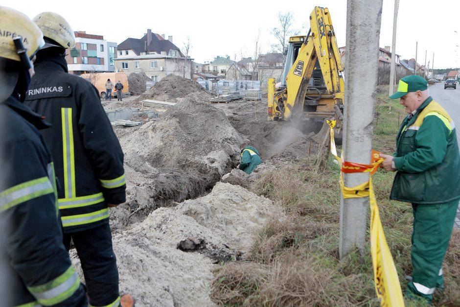 Klaipėdoje ekskavatoriaus kaušas perkirto dujotiekio vamzdį (papildyta 14:00 val.)