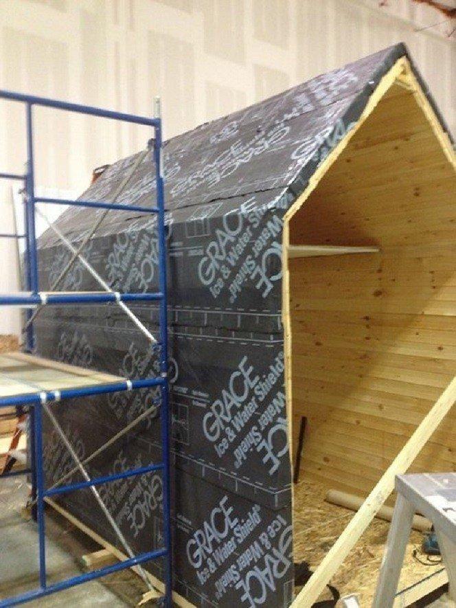 Namas, kurio statybai panaudota neįprasta izoliacinė medžiaga