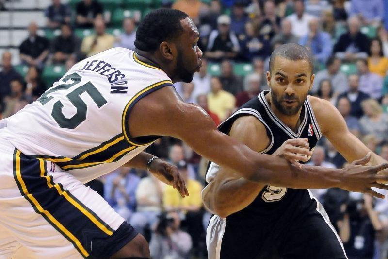 """""""Spurs"""" laimėjo seriją """"sausai"""" ir išsiuntė """"Jazz"""" atostogauti"""
