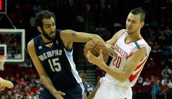 NBA: permainų blaškomas D. Motiejūnas pagaliau pakilo nuo suolo