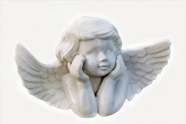 Tradiciniai angelai ir fėjos skraidyti negali